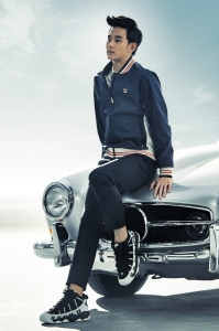 Kim_Soo_Hyun_Fila_Sexy_Lady_Car_Pose